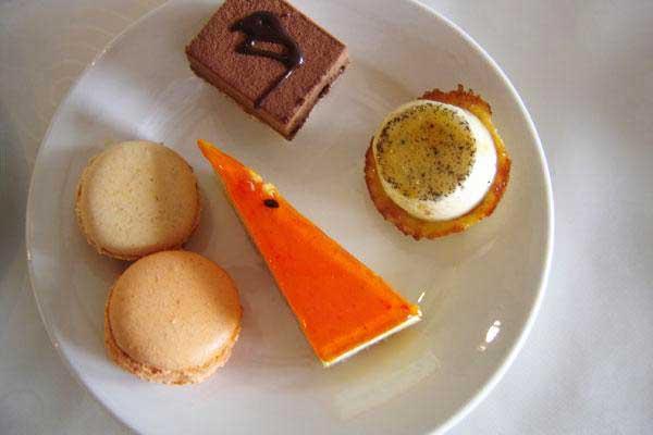 A table - Dessert sur commande avec nos artisans locaux